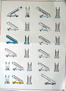 Self propelled ladders - Airport Service Vehicles - set#3 - 1/144 Eastern Express 14602